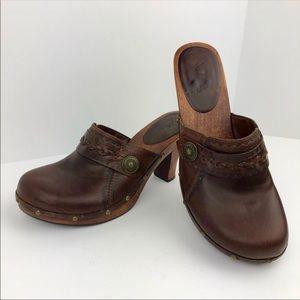 MIA Leather Clogs | 8